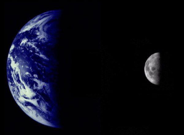 Země a Měsíc z Marineru 10. Foto: NASA/JPL/Northwestern University