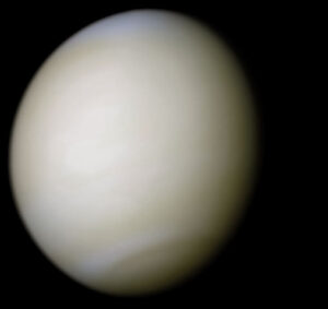 Venuše z Marineru 10. RGB složenina snímků (filtry clear/blue). NASA/JPL/Ricardo Nunes