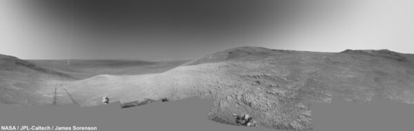 Sol 4332 panorama prachového víru. Foto: NASA/JPL-Caltech/James Sorensen