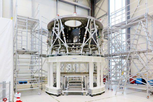 Primární struktura servisního modulu Orionu pro EM-1 v Brémách