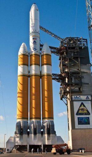Raketa Delta IV Heavy s nákladem NROL-32 - šlo o start s družicí Mentor