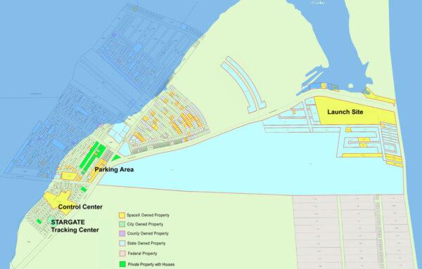 Přibližně měsíc stará mapa pozemků v oblasti Boca Chica, s vyznačenými parcelami ve vlastnictví SpaceX. Nově do ní byly zelenou barvou zakresleny zastavěné parcely v držení soukromých vlastníků - Boca Chica village.