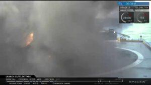 První stupeň po tvrdém přistání v obležení kouře a plamenů