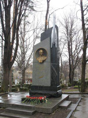 Pomník Fridricha Canděra v lázeňském městě Kislovodsk