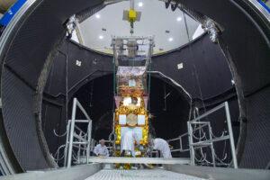 Sentinel 2B ve vakuové komoře