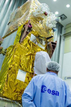 Sentnel 2B v centru ESTEC, kde podstoupí řadu zkoušek