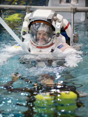 Kathleen Rubins při zkoušce výstupu do volného prostoru