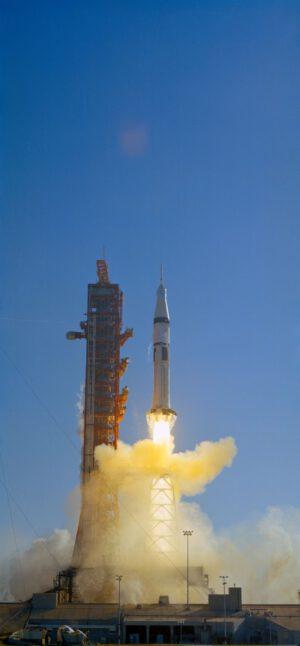 Mise SL-4 startuje