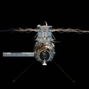 Skylab se loučí s posádkou SL-4