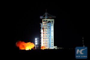 Dlouhý pochod 2D s družicí QSS startuje