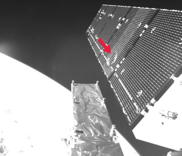 Poškozený panel Sentinelu 1A