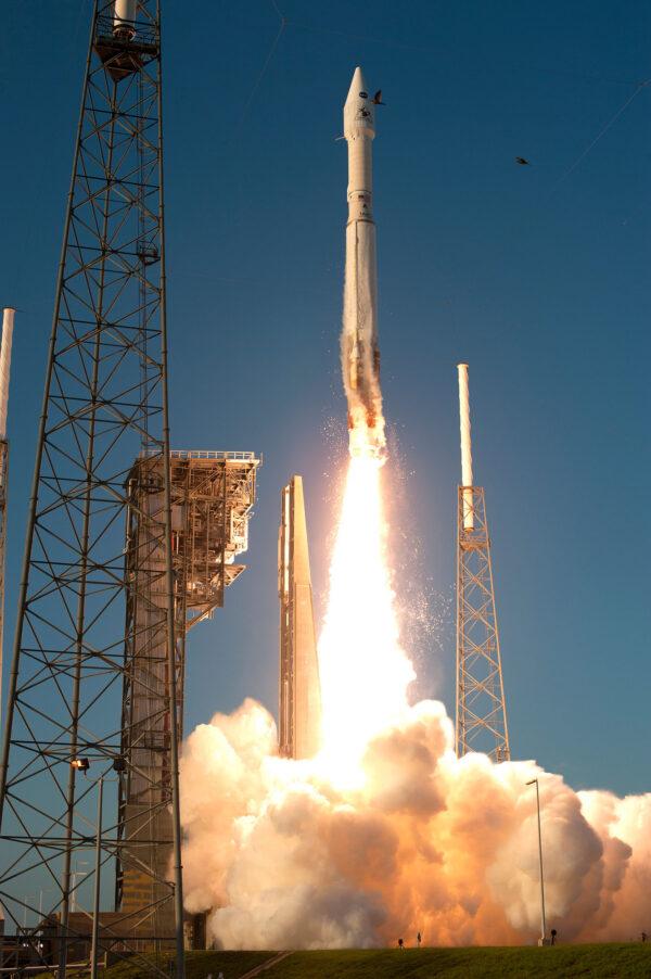 Start rakety jako obvykle vyplašil ptáky hnízdící v okolí rampy