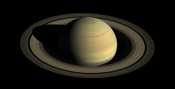 Saturn 25. 8. 2016. Zdroj: Cassini/NASA/JPL-Caltech/SSI