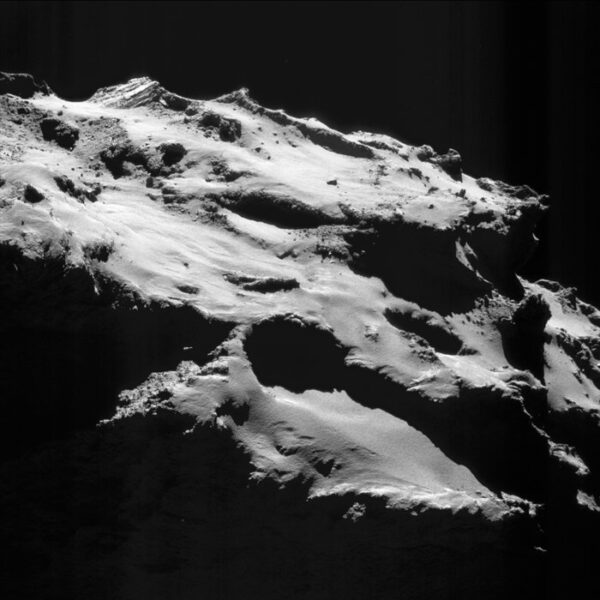 Místo řízeného dopadu na kometu 67P