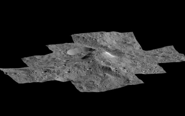 Ahona Mons na výřezů plastické mapy trpasličí planety Ceres