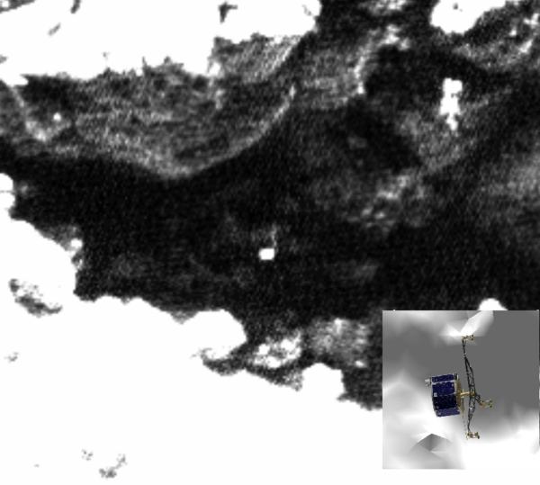 Obrázek pořízený 1. června 2016 spolu s 3D modelem Philae. Zdroj: obrázky: ESA/Rosetta/MPS for OSIRIS Team MPS/UPD/LAM/IAA/SSO/INTA/UPM/DASP/IDA; 3D Philae: CNES/ A.Charpentier; analýza: L. O'Rourke