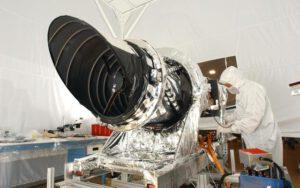 Kamera HiRISE sondy MRO. Zdroj: NASA/JPL/Ball Aerospace