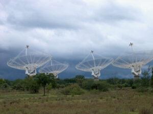 Giant Meterwave Radio Telescope