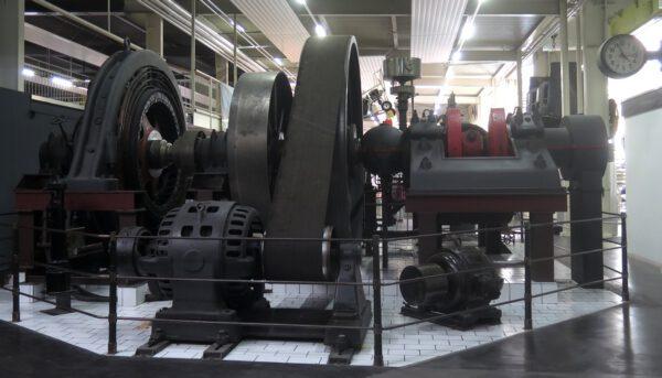Parní generátor elektrické energie