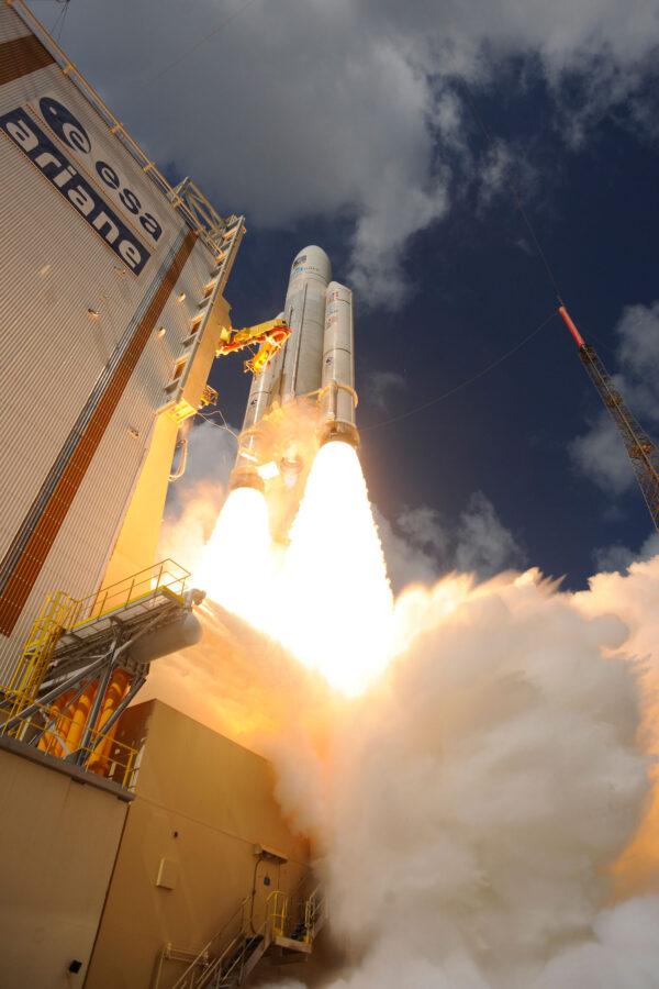 Z fotek přímo čiší nespoutaná síla raketových motorů