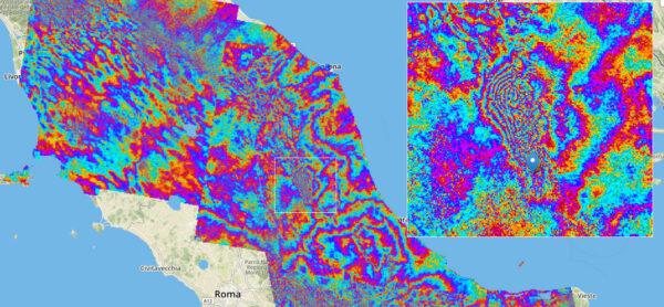Interferogram radarových dat z družic Sentinel ukazuje posuny zemského povrchu po zemětřesení, které zasáhlo 24. srpna oblast kolem Amatrice.