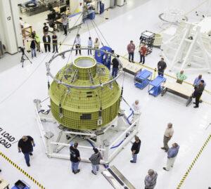 Výroba lodi Orion pro misi EM-1