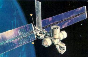 Koncept Evolutionary Space Platform od McDonnell Douglas - předpokládalo se využití stávající techniky v co možná největším rozsahu a menšího zapojení astronautů.
