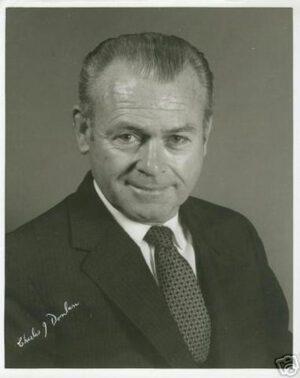 Vedoucí výběrové komise Charles Donlan