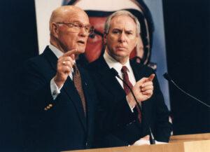 Glenn s Goldinem během tiskové konference 16.1.1998