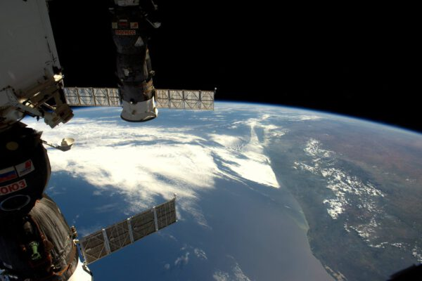Ahoj Afriko a Mozambiku! Letěli jsme i nad Madagaskarem, ale ten se schovával pod mraky
