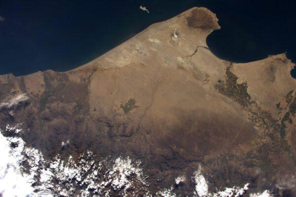 Pátral jsem po geoglyfech na planině Nazca a nakonec jsem vyfotil … peruánská zavlažovaná pole. Ale jsou to pěkné fotky.
