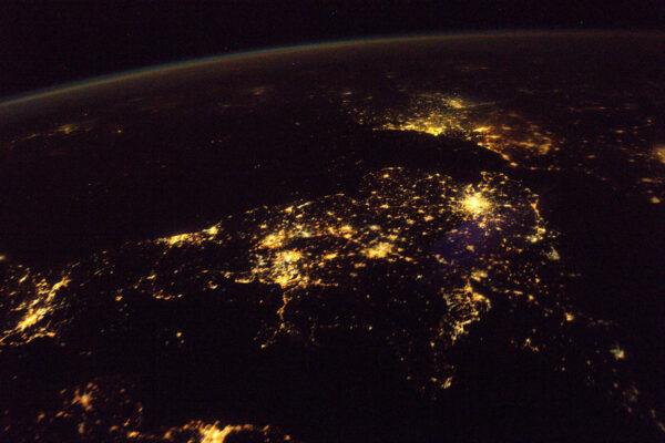 Bez ohledu na politické události je Velká Británie nepochybně velmi blízko zbytku Evropy.
