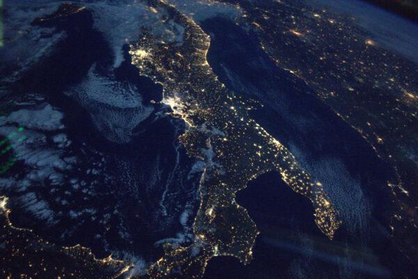 Vždycky jsem byl milovníkem Itálie, když jsem byl na Zemi a platí to i když jsem ve vesmíru. Dělám si plán míst, která bych chtěl jednou navštívit. Není to snadné, ale jih Itálie je momentálně na prvním místě tohoto pořadí.