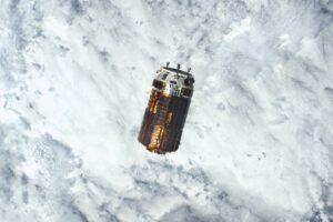 Shane Kimbrough pořídil tento snímek přibližující se lodi HTV-6