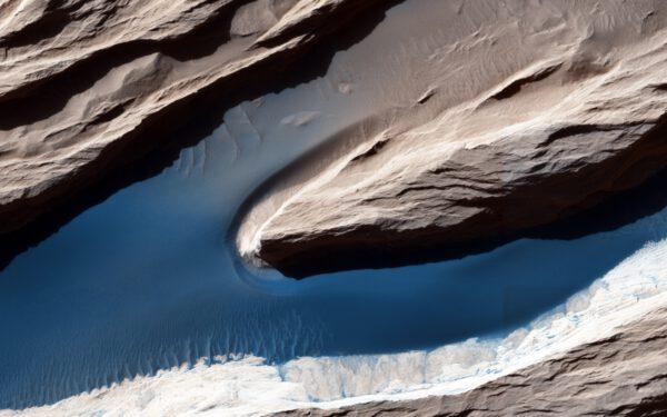 Písečná řeka na Marsu