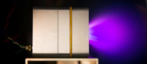 Testovací zážeh pulsního plasmatického pohonu