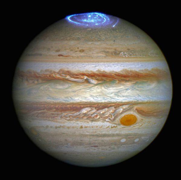 Polární záře Jupiteru