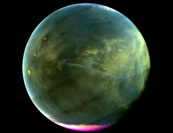 Mars v ultrafialovém spektru