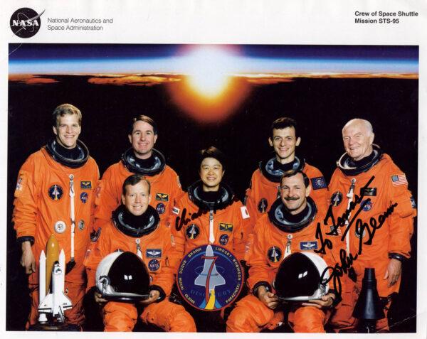 Posádka Discovery STS-95.