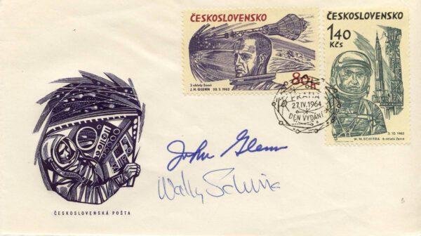Československá příležitostná obálka, podpisy Johna Glenna a Waltera Schirry.