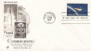 Obálka razítkovaná 20. února 1962 na dočasném poštovním úřadu Cape Canaveral – dodatečně pak doplněná o přítisk