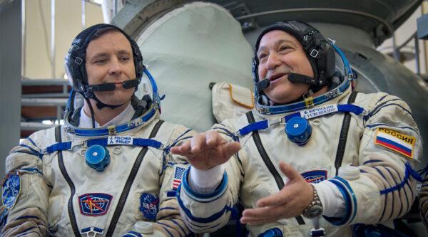 Posádka Sojuzu MS-04