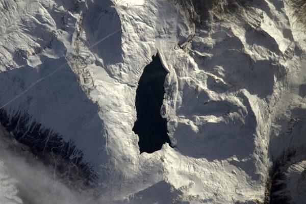 Hodně mi chybí lyžování, ale aspoň si můžu užívat pohledy na hory, byť z nadhledu. Tohle je Lac du Mont Cenis v Savojsku.