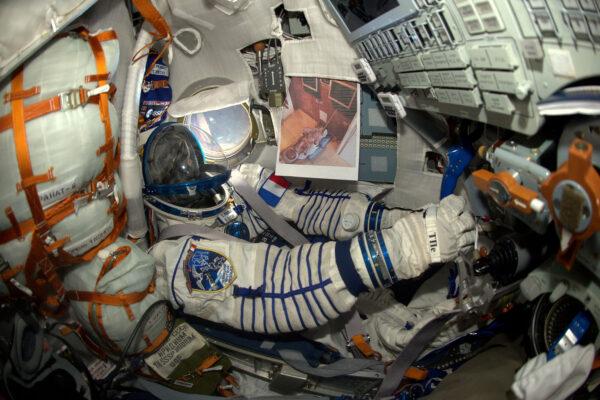 """Malý Baptiste mi poslal fotku Sojuzu, který si sám postavil. Porovnal jsem ho se """"svým"""" Sojuzem a verdikt je jasný – ten jeho je výrazně víc cool."""