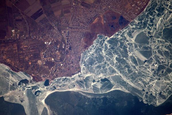 Místo, kde dokonce v zimě zamrzá moře – Ukrajina a její černomořské pobřeží.