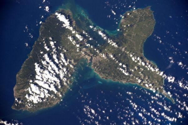 Ostrov jako žádný jiný – motýlí křídla Guadeloupe. Dokonce i z výšky 400 kilometrů si vzpomínám na krásné časy, když jsem tam byl.