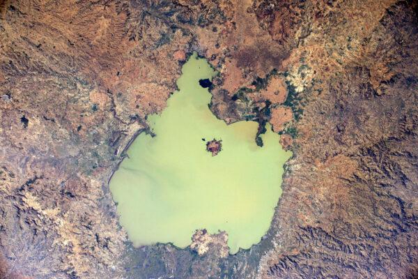 Celá etiopská krajina je tak barevná! Tady je největší jezero celé země – Tana.
