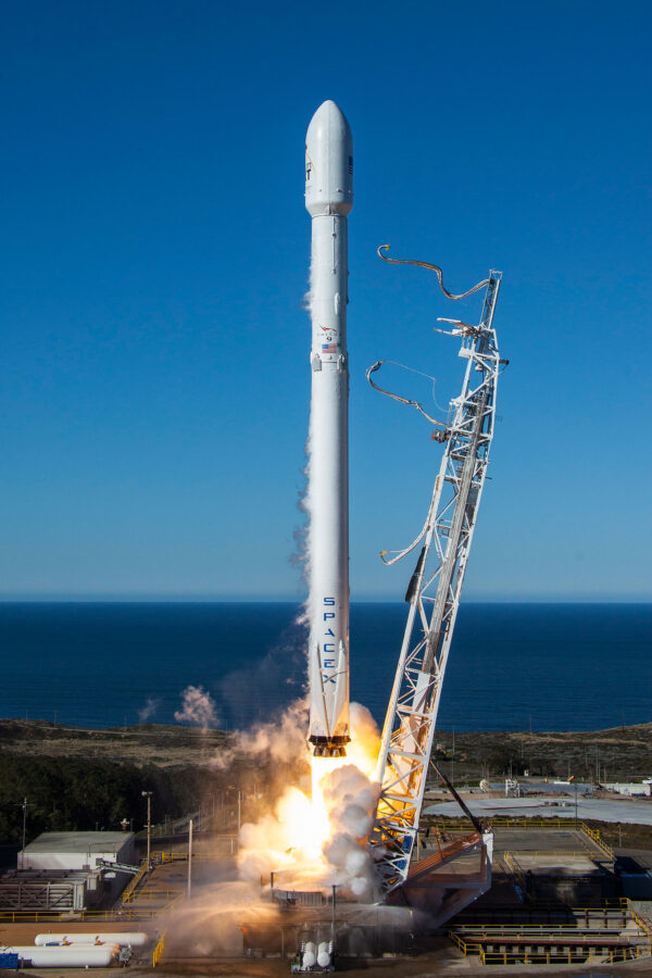 153 dní dlouhé čekání je u konce - SpaceX opět odpálila svou raketu.
