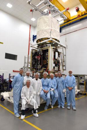 Satelit Aeolus v čisté místnosti Airbus Defence and Space