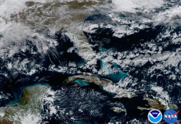 Výřez ze snímku zachycující Karibik